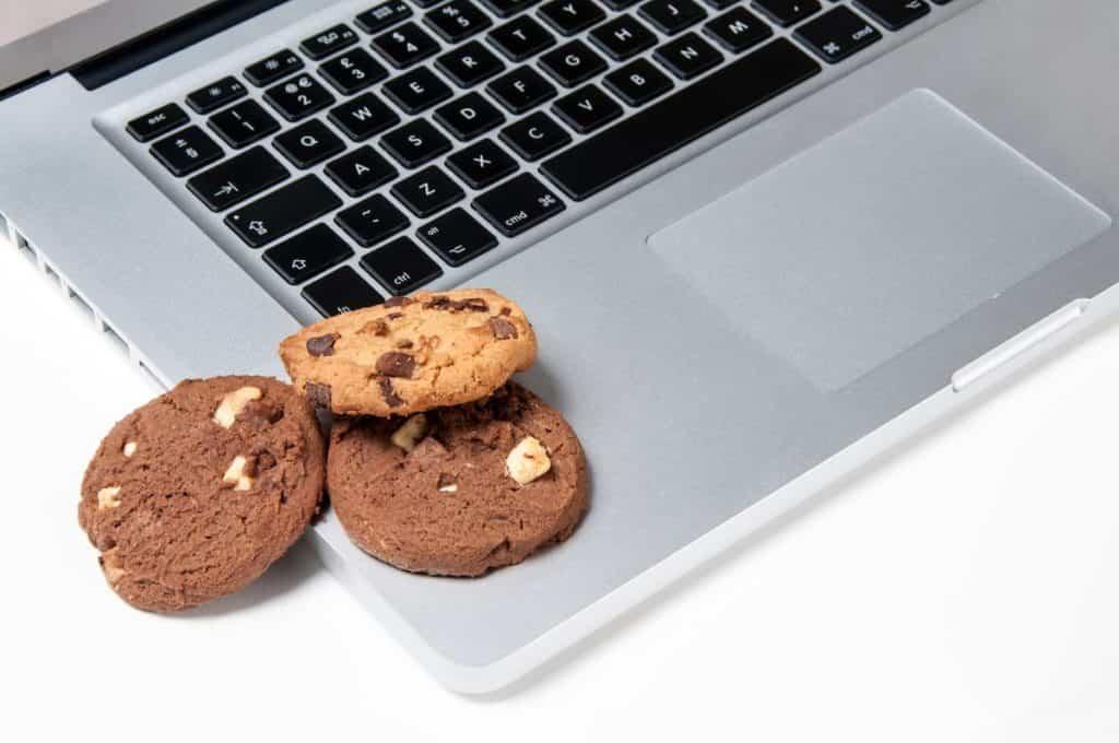 """Ahora resulta que con seguir navegando las """"cookies"""" se dan por aceptadas en cualquier web 8"""